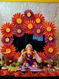 Flower Decoration For Ganpati, Eco Friendly Ganpati Decoration, Ganpati Decoration Design, Diwali Decoration Items, Paper Decorations, Flower Decorations, Indian Inspired Decor, Ganesh Chaturthi Decoration, Janmashtami Decoration