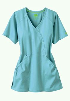 Healing Hands Scrubs and uniforms provide quality apparel to medical professionals that make you look and feel great. Order from Scrubs and Beyond today! Sewing Shirts, Sewing Clothes, Diy Clothes, Scrubs Outfit, Scrubs Uniform, Scrubs Pattern, Top Pattern, Medical Scrubs, Nursing Scrubs