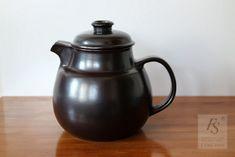 Arabia LIEKKI tea pot, Ulla Procope - FourSeasons.fi