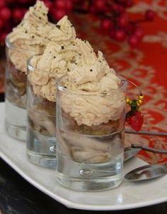 Verrine d'huîtres en gelée et chantilly de foie gras