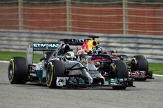 On track w/Lewis Hamilton @ the 2014 F1 Gulf Air Grand Prix