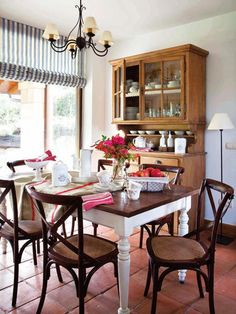 The Little Corner Decor Interior Design, Furniture Design, Sheesham Wood Furniture, Shabby Chic Dining Room, Casa Patio, Cozy Kitchen, Home Remodeling, Dyi, Sweet Home