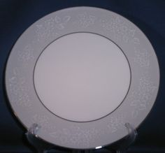 Noritake Damask Dinner Plate