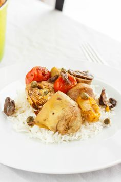 Artichoke Hearts and Mushrooms over Rice - The Cookie Writer Rice Recipes, Vegetable Recipes, New Recipes, Savoury Recipes, Artichoke Recipes, Artichoke Hearts, What To Cook, Lunches And Dinners, Vegan Vegetarian