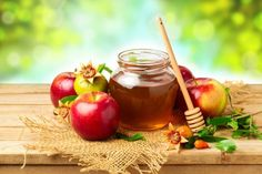 Remedios caseros y beneficios del vinagre de sidra de manzana, la miel cruda de abeja y una mezcla de ambos para obtener otros beneficios adicionales...