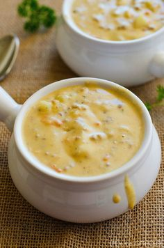 Crockpot soup Recipes Easy is Among the Favorite soup Recipes Of Several People Around the World. Besides Simple to Make and Excellent Taste, This Crockpot soup Recipes Easy Also Health Indeed. Cheese Burger Soup Recipes, Cheese Soup, Cheddar Cheese, Slow Cooker Recipes, Crockpot Recipes, Cooking Recipes, Crock Pot Soup Recipes, Delicious Recipes, Grandma's Recipes