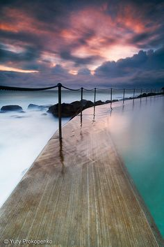 Sunrise over Bronte Beach, Australia  linear perspective