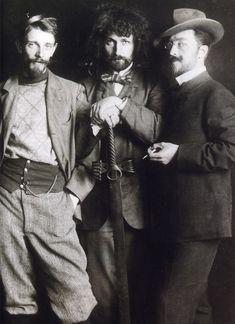 Vasily Kandinsky (right), Dmitry Kardovsky (center), A. Seddeler (left) in the Azbe-Schule, Munich, c1897 - Love this photo! They look very modern and dashing.