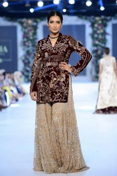 Saniya maskatya Beautiful Pakistani Dresses, Pakistani Formal Dresses, Shadi Dresses, Pakistani Wedding Outfits, Indian Outfits, Net Dresses, India Fashion, Ethnic Fashion, Asian Fashion