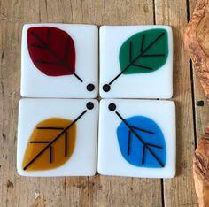 Glass coasters with autumnal leaf design # fusedglass Fused Glass Plates, Fused Glass Jewelry, Glass Dishes, Glass Artwork, Glass Coasters, Tea Light Holder, Rug Hooking, Leaf Design, Cut Glass