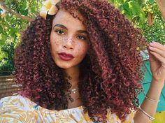 Coloration cheveux bouclés naturels < curly hair + freckles + African descent