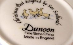 Dunoon Coffee Mug Victorian Christmas Geese & Shoppers Christmas Past, Victorian Christmas, Bone China, Cottages, Celebrations, Tea Pots, Coffee Mugs, Decorative Plates, Holiday