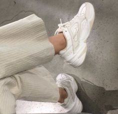 Nov 2019 - JADE October 24 2019 at fashion-inspo Slingback Chanel, Espadrilles Chanel, Chanel Shoes, Beige Outfit, Fashion Outfits, Fashion Tips, Fashion Trends, Fashion Clothes, Fashion Fashion