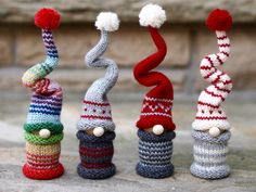 jaybirdfinnigan's Christmas Gnomes – knitting is as easy as 3 – Tricot et crochet Knit Christmas Ornaments, Christmas Gnome, Christmas Makes, Christmas Knitting, Christmas Projects, Handmade Christmas, Knitted Christmas Decorations, Loom Knitting, Knitting Patterns