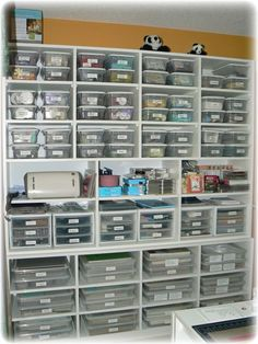 Cool craft space; I wish I could get this organized