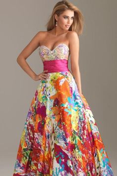 Printed prom dresses 2012 are good choices for girls to wear on prom night.This dress gives a fabulous look and easily caught anyone attention on the prom night Beautiful Gowns, Beautiful Outfits, Gorgeous Dress, Dead Gorgeous, Prom Night Dress, Strapless Dress Formal, Formal Dresses, Flowy Dresses, Ruched Dress