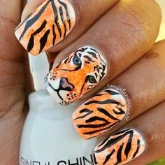 Tiger Mani nail art by Tonya Tiger Stripe Nails, Tiger Nail Art, Tiger Nails, Animal Nail Art, Tiger Stripes, Nail Manicure, Nail Polish, Tiger Design, Tiger Face