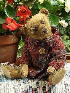Antique Vintage Steiff Mohair Teddy Bear from 1910 with Button in Ear Old Teddy Bears, Antique Teddy Bears, Steiff Teddy Bear, My Teddy Bear, Teddy Bear Cartoon, Teddy Bear Pictures, Charlie Bears, Bear Doll, Pooh Bear