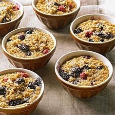 Individual Baked Oatmeal: These pretty single serve dishes of whole grain goodness are an ideal breakfast recipe for a busy family or brunch. Heart Healthy Breakfast, Best Breakfast Recipes, Make Ahead Breakfast, Breakfast Dishes, Brunch Recipes, Breakfast Ideas, Breakfast Casserole, Breakfast Club, Best Oatmeal Recipe