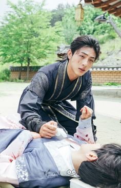 Sad but angry Jung😯😣😣 Korean Drama Movies, Korean Actors, Korean Dramas, Hot Actors, Actors & Actresses, Baekhyun, Scarlet Heart Ryeo Wallpaper, Moon Lovers Drama, Ji Soo Actor