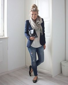 Adorable 75+ Casual Fall Outfits Ideas for Women https://bitecloth.com/2017/12/22/75-casual-fall-outfits-ideas-women/