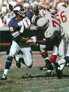 Jim Marshall - Ring of Honor Best Football Players, Football Cheerleaders, Sport Football, Football Cards, Cheerleading, Football Helmets, Vikings 2, Vikings Football, Equipo Minnesota Vikings