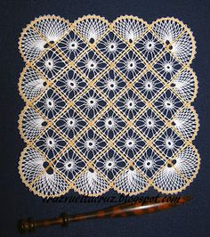 Cruz, vuelta, cruz Doily Art, Bobbin Lacemaking, Bobbin Lace Patterns, Tatting Lace, Lace Making, Antique Books, Lace Knitting, Doilies, Crochet Top