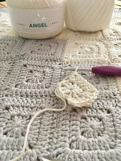 Patrón de ganchillo: Manta granny corazón de Maria Atelier | El blog de Dmc | Bloglovin' Blog, Home Decor, Ideas, Tutorial Crochet, Crochet Pattern, Bed Covers, Hearts, Patterns, Projects