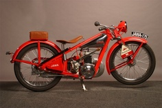 Year 1932 Due to the economic recession of the early 1930 a cheaper and simpler… Vintage Cycles, Vintage Bikes, Vintage Motorcycles, Cars And Motorcycles, Vintage Cars, Custom Motorcycles, Russian Motorcycle, Classic Motorcycle, Car Part Art