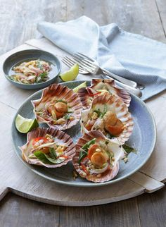 Scallops with lime, mint and chilli