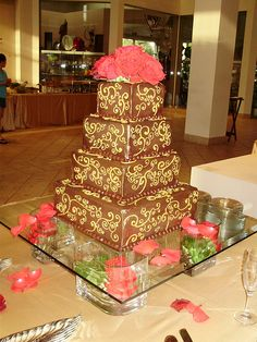 Glass Wedding Cake Stands 1