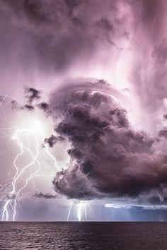 beautymothernature:  Sky Disaster | Amazi share moments