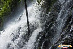 Cada exterior tiene su magia y encanto. En Canoas, la Cascada Velo de Novia es uno de los más maravillosos paisajes del camp.