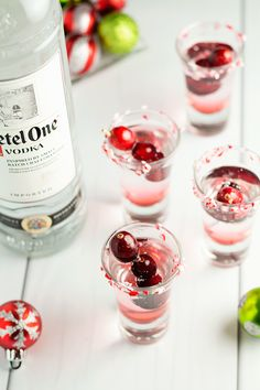 Having a holiday party? You need a signature drink, check out this candy cane vodka shooter! Delicious!