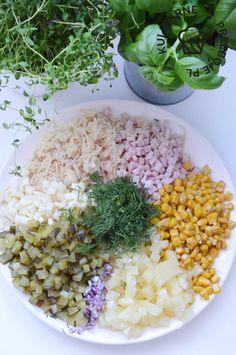 Szybka i prosta sałatka z selerem konserwowym i szynką - KulinarnePrzeboje.pl Grains, Food, Pineapple, Essen, Meals, Seeds, Yemek, Eten, Korn