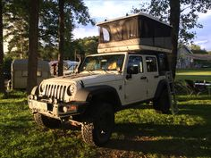 Jeep Wrangler with roof James Baround