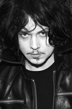 Jack White looking panty dropping hot!
