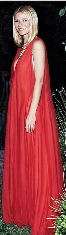 Who made  Gwyneth Paltrow's red gown?