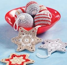 Holiday Memories: Crochet Christmas Baubles