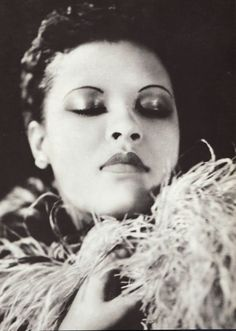"Billie Holiday: American jazz singer and song writer.Notable songs sung: ""Strange Fruit,"" and ""Lady Sings the Blues"" Billie Holiday, Lady Sings The Blues, Blues Rock, Marilyn Monroe, Sunset Boulevard, Nova Orleans, Mazzy Star, Divas, Jazz Musicians"