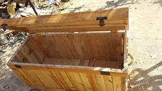 Wooden Pallet Chest / Trunk | 99 Pallets                                                                                                                                                                                 More