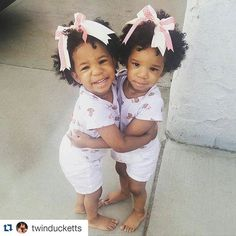 #Repost @twinducketts with @repostapp   #TheLoveTwins #KayleenDayleen #twinsies #twinTuesday #twins #TwinDucketts #TheLoveSisters #fall #babycurls by cwk_girls