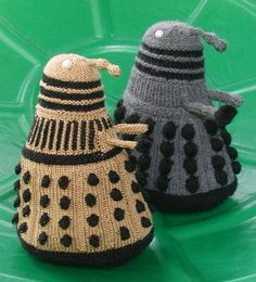 Free knitting pattern for Dalek Toy about 8 inches tall