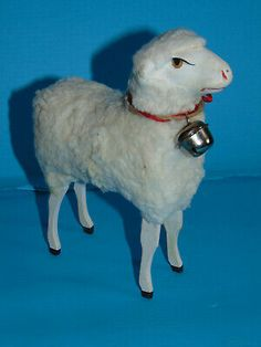 Cet exceptionelle GRAND MOUTON boite a bonbon LRG SHEEPcandy container. POUR POUPEE ANCIENNE. 14 cm approx. see pic excellent condition. voici pour accompagner vos poupees anciennes . Candy Boxes, Old Dolls, Voici, Sheep, Holiday Decor, Animals, Antique Dolls, Animales, Animaux