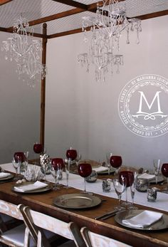 White, silver and red palette dinner party
