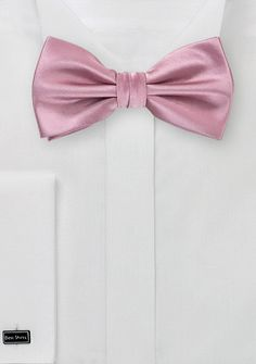 Solid Hued Bow Tie in Dusty Pink