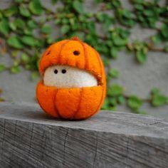Wool Felt, Felted Wool, Felt Monster, Pumpkin Costume, Needle Felting Tutorials, Finding A New Hobby, Halloween Quilts, Halloween Season, Halloween Ideas