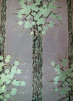 Lampas Branche de prunus - Manufacture Prelle d'après un dessin de Suzanne Lalique-Haviland (c) musée Lalique