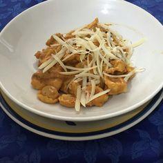Tortelkini con crema di peperoni