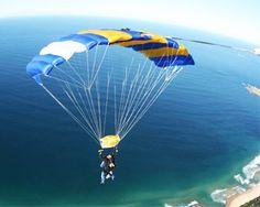 Google Image Result for http://www.adrenalin.com.au/files/adventures/images/12779/skydiving-wollongong-sydney-weekend-tandem-skydive-14000ft_large.jpg